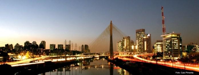 Conhecer São Paulo voando pela TAM