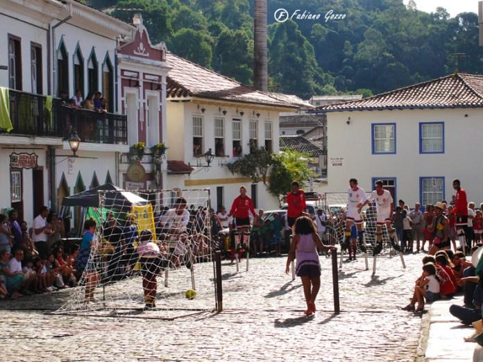 Evento próximo à casa de Aleijadinho em Ouro Preto
