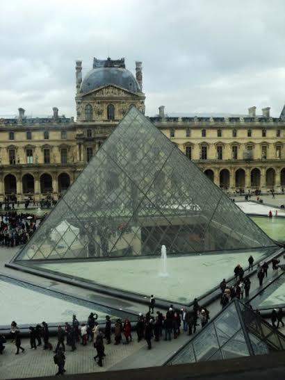Foto do Museu do Louvre em Paris