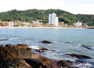 Praia de Cabeçudas em Itajaí