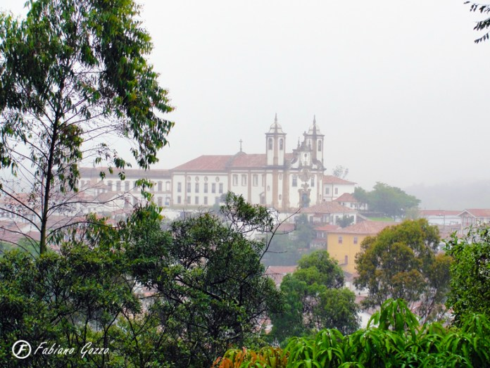 Vista de Ouro Preto pela varanda do hostel São Francisco de Paula
