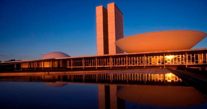 conhecer Brasília voando TAM