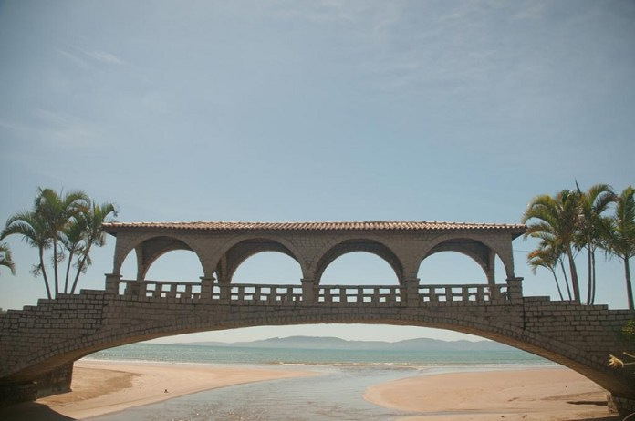 ponte dos suspiros em Itapema
