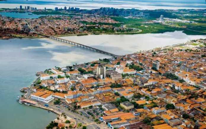 São Luis é composta de belíssima arquitetura, sobrados e casarões se espalham pelas ruas e praças do Centro Histórico