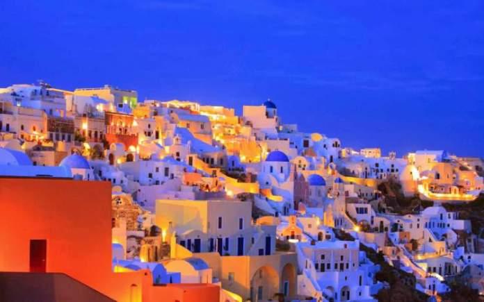 Santorini - Grécia é um dos lugares que são simplesmente incríveis para se visitar