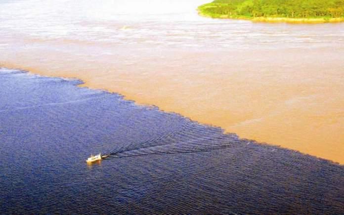 Encontro das Águas de Manaus – Amazonas