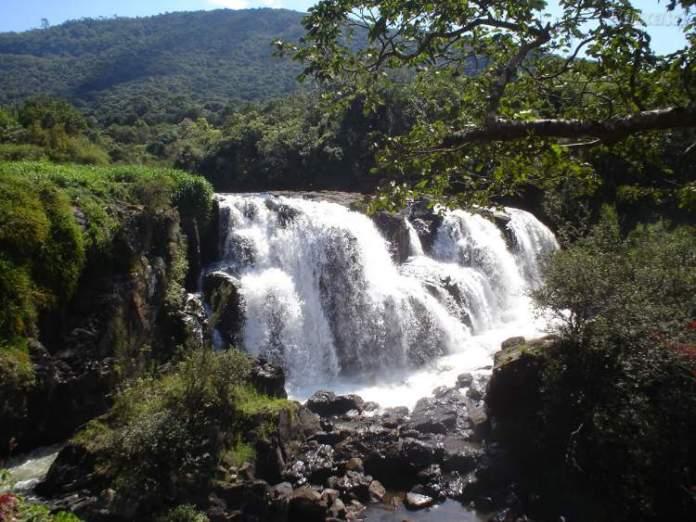 Poços de Caldasé um dos lugares incríveis para se visitar em Minas Gerais