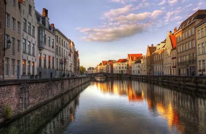 Bruges na Bélgica é um dos destinos subestimados de lua de mel que vão te conquistar