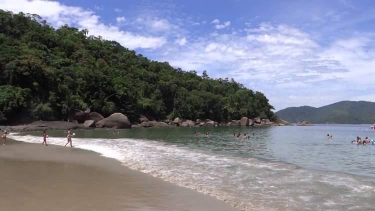 Domingas Dias em Ubatuba - São Paulo é uma das praias mais bonitas do Brasil