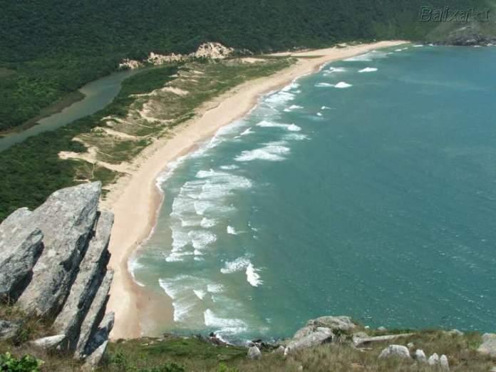 Lagoinha do Leste, Florianópolis é uma das praias mais lindas do Sul Brasileiro