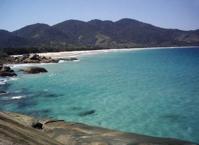 Praia Lopes Mendes em Ilha Grande no Rio de Janeiro é uma das praias mais bonitas do Brasil