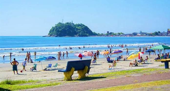 Praia de Guaratuba é uma das praias mais lindas do Sul Brasileiro