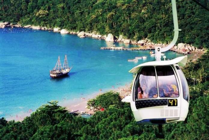 Praia de Laranjeiras, Balneário Camboriú é uma das praias mais lindas do Sul Brasileiro