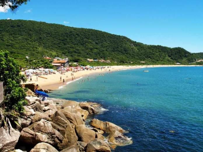 Praia de Taquarinhas, Balneário Camboriú é uma das praias mais lindas do Sul Brasileiro