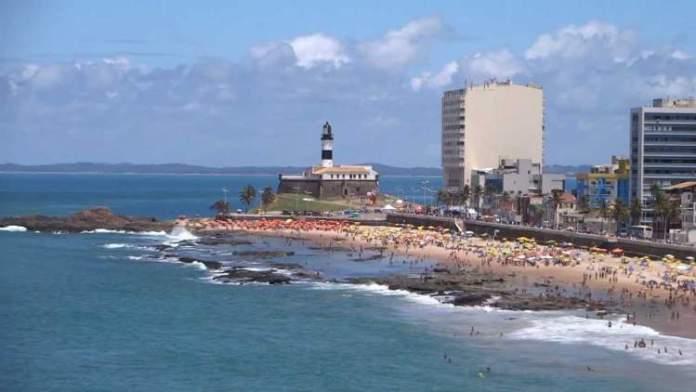 Praia do Farol da Barra é uma das praias mais bonitas de Salvador