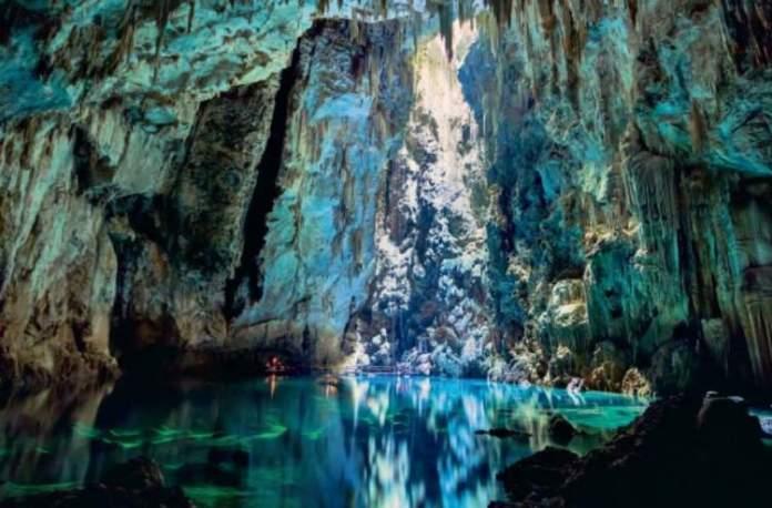 Abismo Anhumas é um dos lugares surreais no Brasil