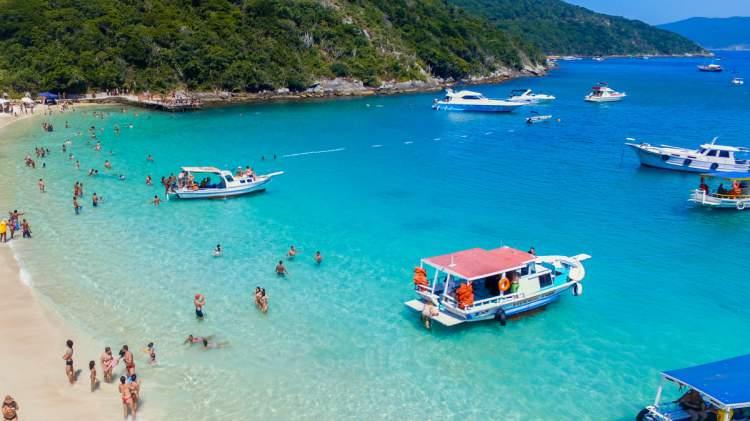 Praia do Forno é uma das melhores Praias de Arraial do Cabo