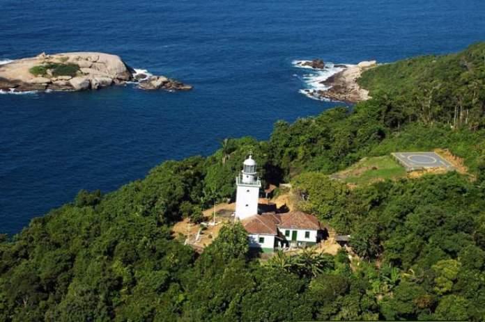 Farol de Castelhanos em Ilha Grande