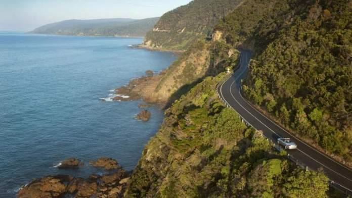 Great Ocean Road, Victoria, Austrália é uma das estradas maravilhosas