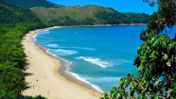 Passeio na Praia do Sono é uma das dicas de o que fazer em Paraty