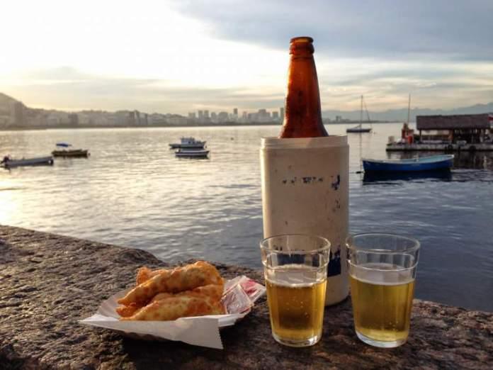 Bar Urca é uma das dicas de o que fazer a noite no Rio de Janeiro