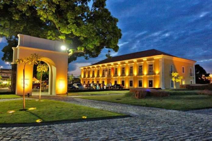 Conhecer a arquitetura histórica é uma das opções de o que fazer em Belém