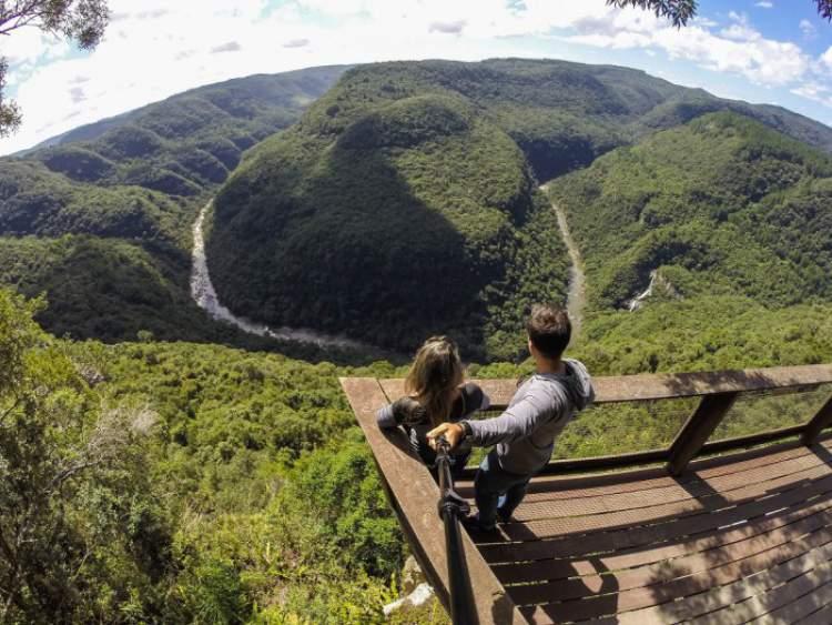 Visitar o Parque da Ferradura é uma das opções de o que fazer em Canela