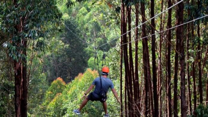 Mega Tirolesa é uma das atrações turísticas em Monte Verde