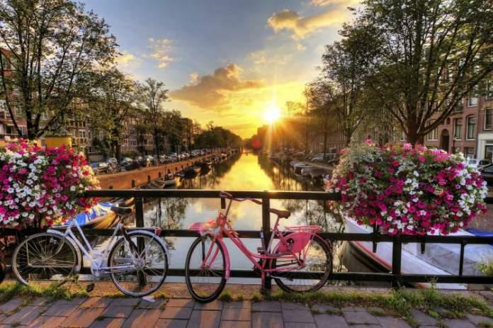 Amsterdã é um dos melhores destinos para viajar em Março 2018