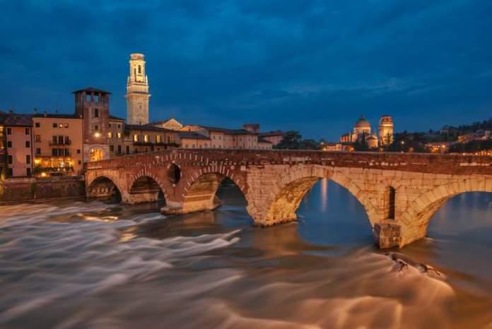 Verona é um dos destinos românticos para fugir com seu amor