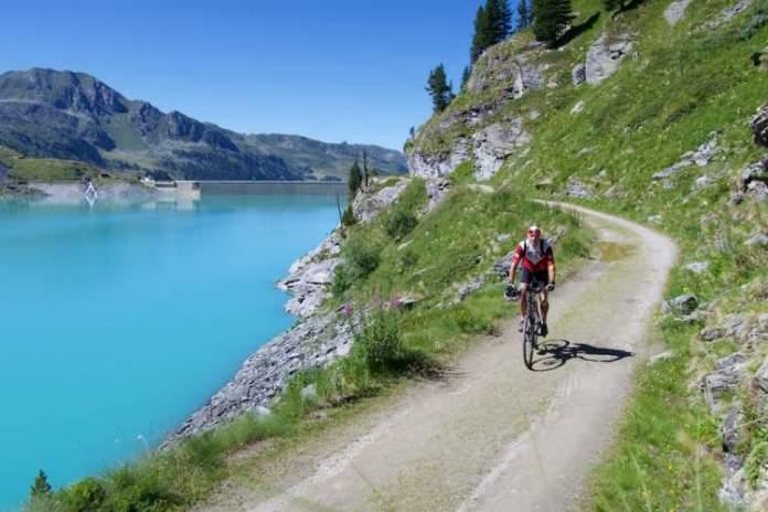 Barragem ou Lago de Cleuson é um dos lugares maravilhosos na Suíça