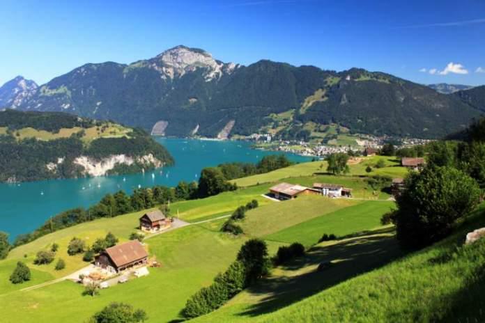 Brunnen é um dos lugares maravilhosos na Suíça