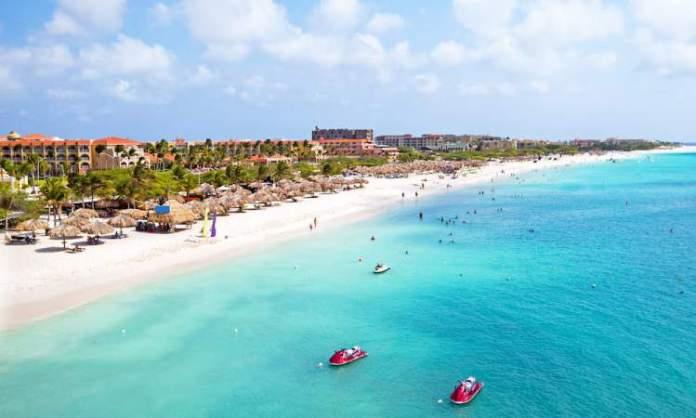 Eagle Beach em Aruba, é uma das praias mais paradisíacas do Caribe