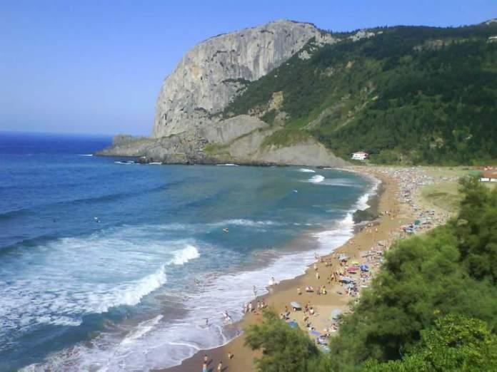 Playa de Laga é uma das melhores praias da Espanha