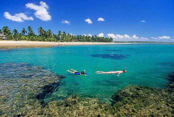 Taipus de Fora é uma das melhores praias e piscinas naturais da Bahia