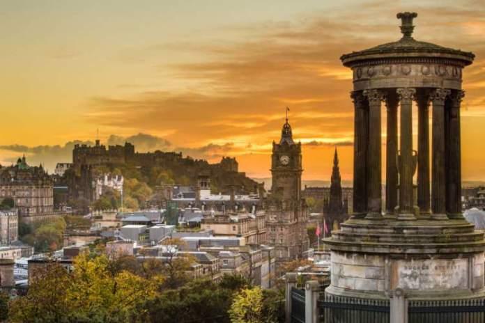 Edimburgo é um dos melhores destinos turísticos da Europa