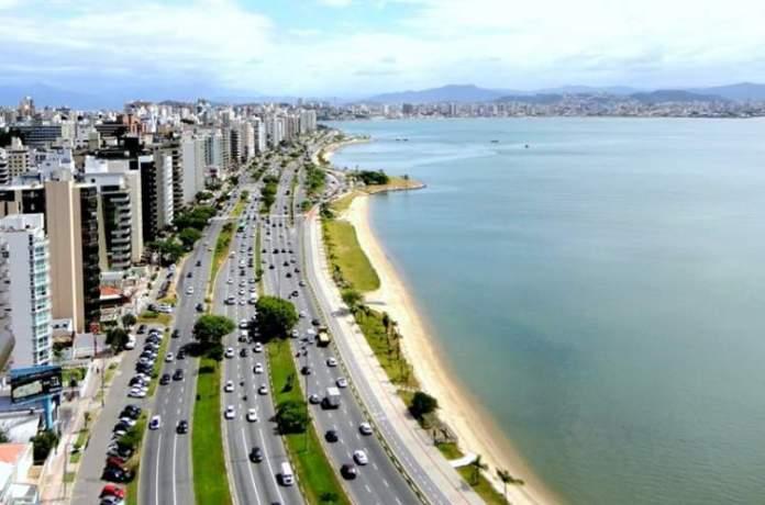 Florianópolis é um dos destinos para viajar barato no Sul do Brasil