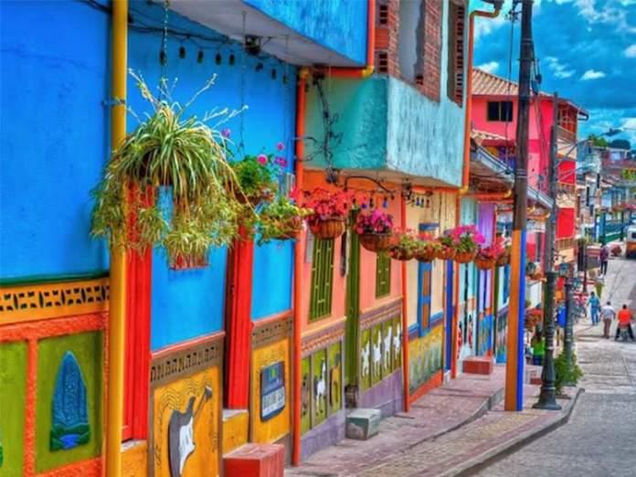 Guatapé cidade florida