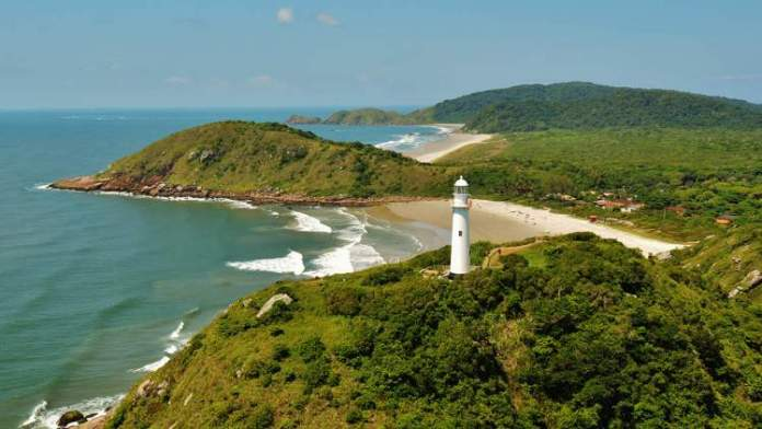 Ilha do Mel é uma das incríveis ilhas brasileiras