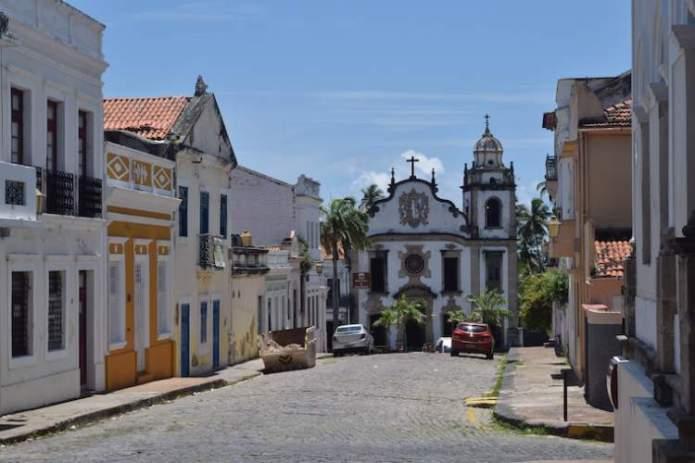 Olinda é um dos destinos para viajar barato pelo Brasil