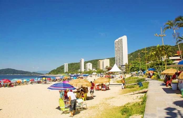 Praia Mansa é uma das melhores praias do Paraná