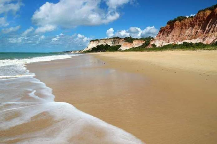 Praia Taípe é uma das melhores praias de Arraial D'Ajuda
