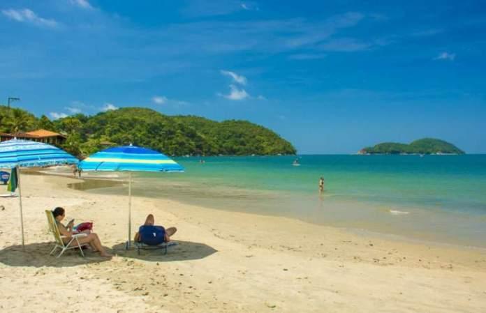 Praia da Almada é uma das melhores praias de Ubatuba