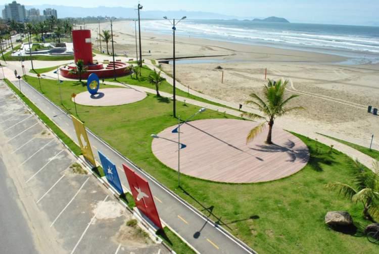 Praia da Enseada é uma das melhores praias de Bertioga em São Paulo