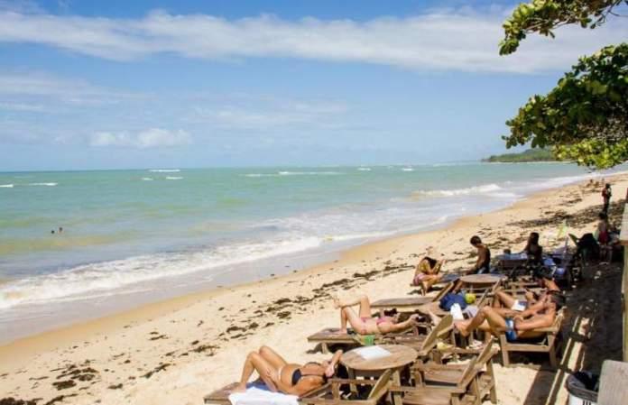 Praia de Araçaípe é uma das melhores praias de Arraial D'Ajuda