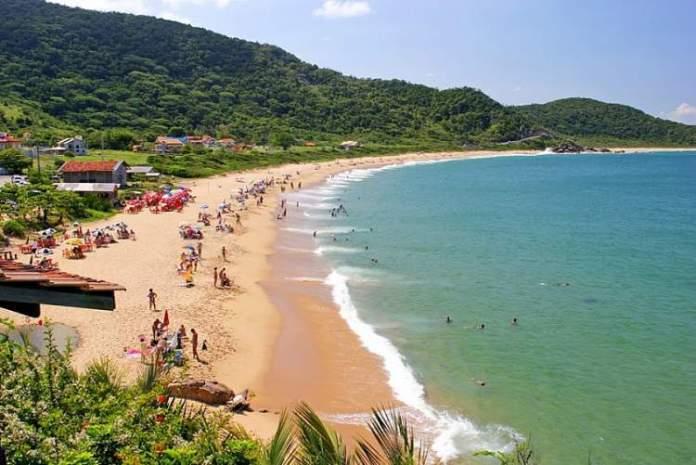 Praia de Taquaras é uma das melhores praias de Balneário Camboriú