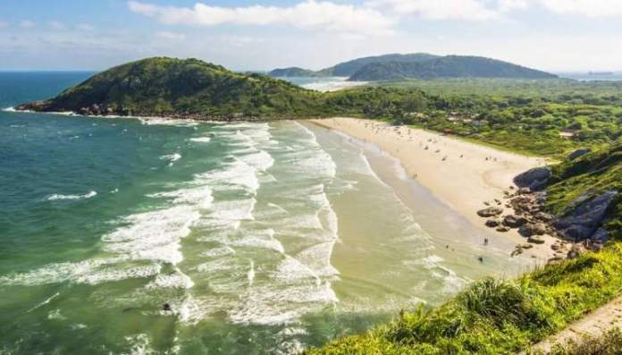 Praia do Miguel é uma das melhores praias do Paraná