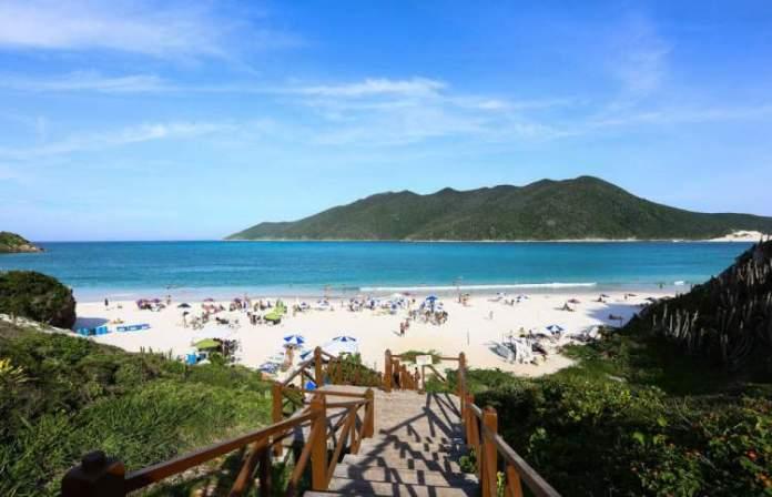 Prainha do Pontal do Atalaia é uma das melhores praias de Arraial do Cabo