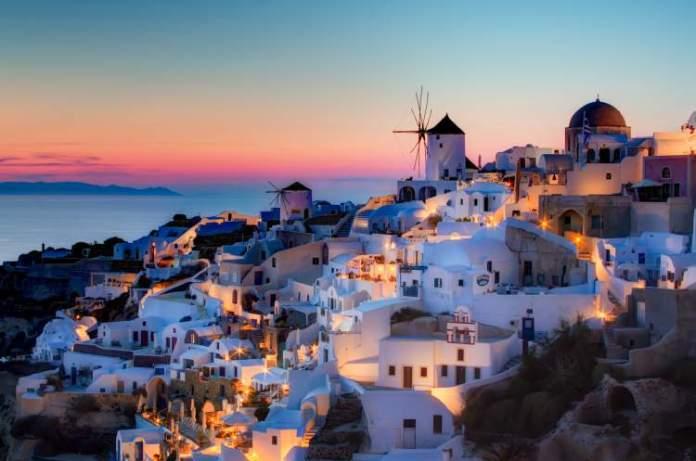 Santorini é um dos melhores destinos turísticos da Europa