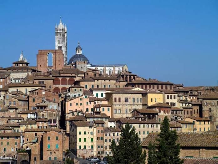 Siena na Itália é uma das cidades medievais que farão você viajar de volta no tempo